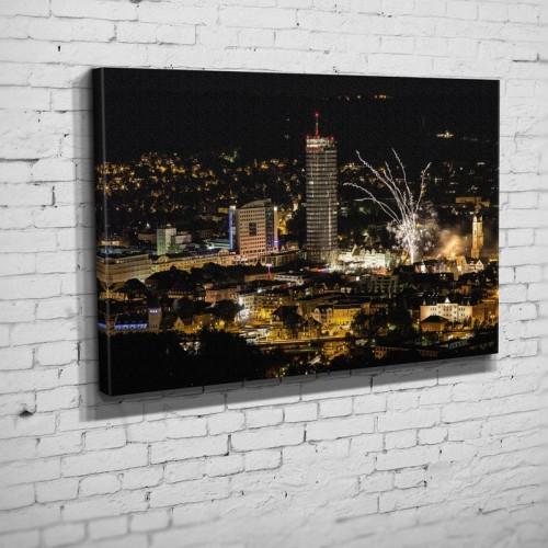 Das Feuerwerk zum Altstadtfest mit der Skyline von Jena(BNR