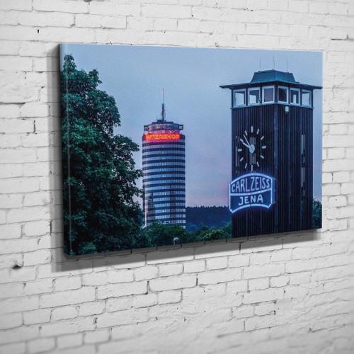Die Zeiss Linse an der alten Stadionuhr im Ernst-Abbe-Sportfeld